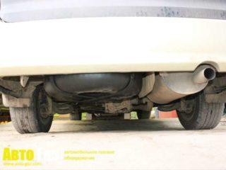 Газовое оборудование на Toyota Estima.