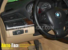 Газ на BMW X5 E70.