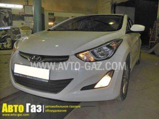 Машина Hyundai Elantra.