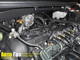 Газ на Hyundai Elantra.