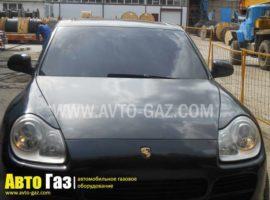Машина Porshe Cayenne 4,5.