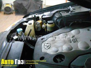 Машина Infiniti FX35.