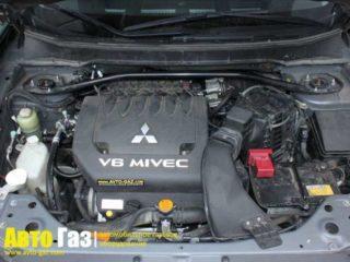 Авто Mitsubishi Outlander XL.